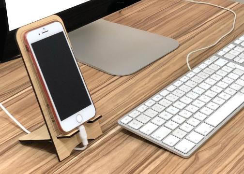 Ahşap İstanbul Motifli Cep Telefonu & Tablet Tutucu
