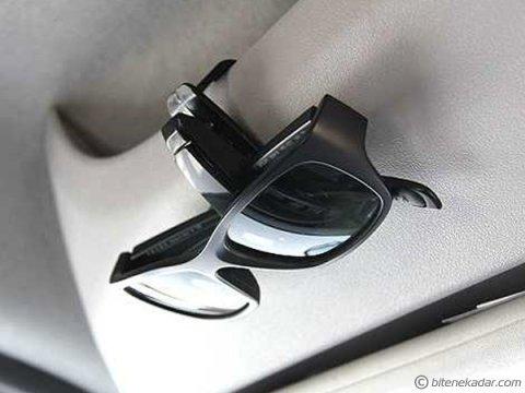 Gözlük Klipsi: Araç İçi Mandallı Gözlük Tutucu