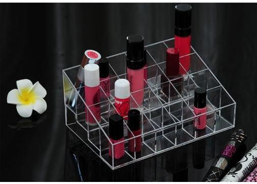Kozmetik Organizer: Şeffaf 24 Bölmeli Makyaj Organizeri