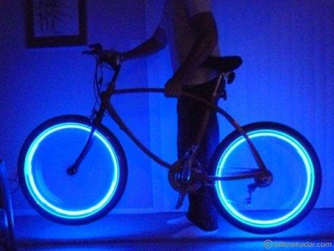 Sibop Kapağı: Fotosel ve Hareket Sensörlü Işıklı