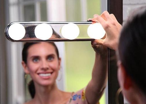 Taşınabilir 4 Led Ampul Parlak Stüdyo Makyaj Işığı Banyo Işığı