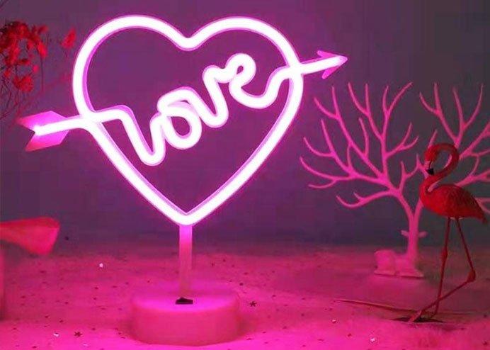 Love Yazılı Gece Lambası