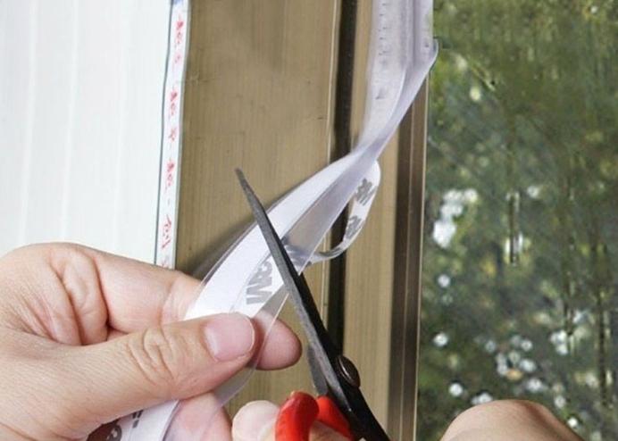 Pencere ve Kapı Eşiği Bandı Kendinden Yapışkanlı Silikon Şerit