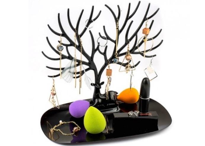 Siyah Geyik Tasarımlı Takı, Mücevher Standı